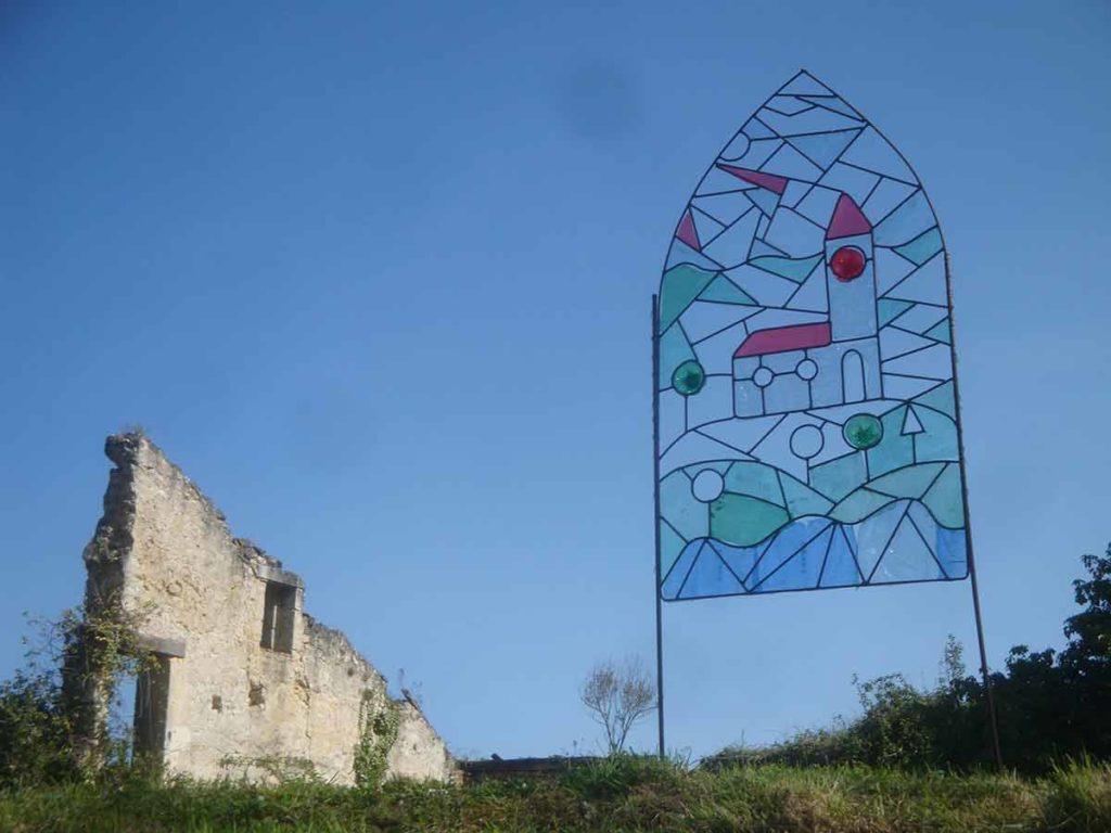 vitrail-chapelle-quinsac-installation-artistique